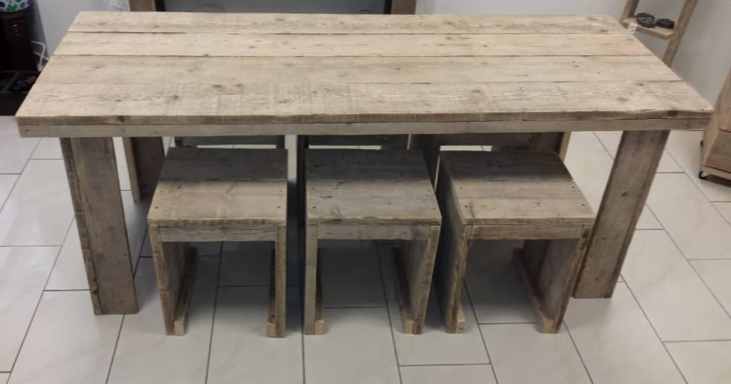 Echafaudage table en bois avec six tabourets (taille de table 80 x 200 cm) Tabliers  # Échafaudage En Bois