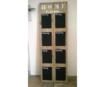 Weekplanbord gemaakt van oud steigerhout, 8 vakken voorzien van een zwarte krijtlaag en alle dagen van de week (afmeting ca. 40 x 120 cm)