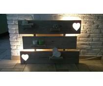 Wanddecoratiebord gemaakt van oud steigerhout (voorzien van verlichting)
