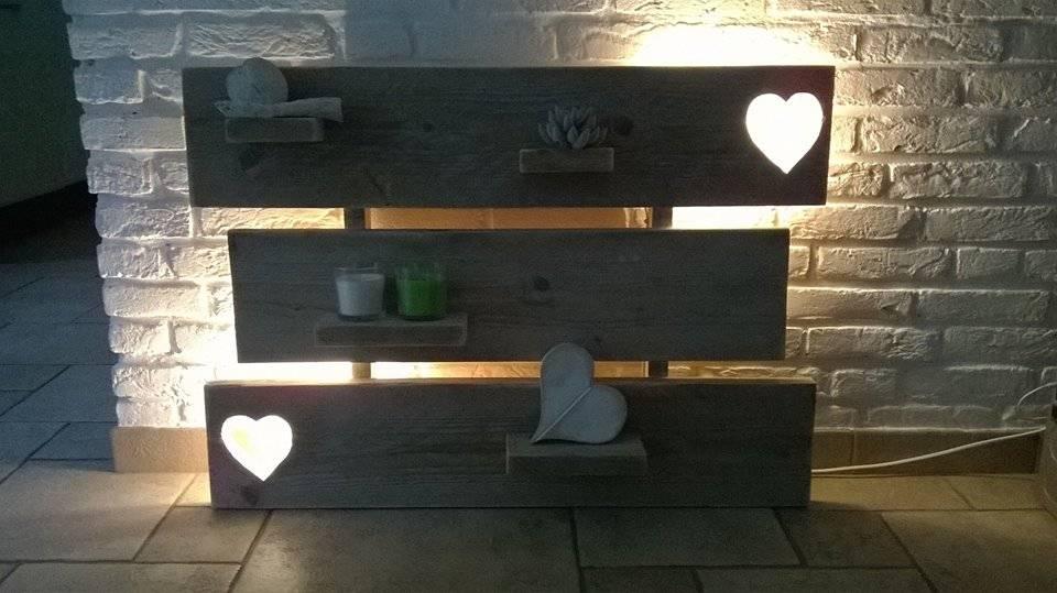 wanddecoratiebord gemaakt van oud steigerhout voorzien