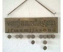 Birthday Calendar made of old wood Steiger (size 50 x 20 cm) incl. Hanging cord and 10 laps feature hooks and eyes