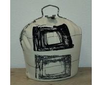 Design Teapot топло (dessin белезникаво с черни символа)