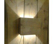 Sfeer wandlamp klein (gemaakt van oud steigerhout met WHITE WASH) voorzien van een kleine lampenfitting