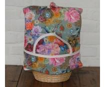 Дизайн Уютен (пъстри цветя, пеперуди и птици), вкл. Плетена кошница и съвпадение чорапогащи