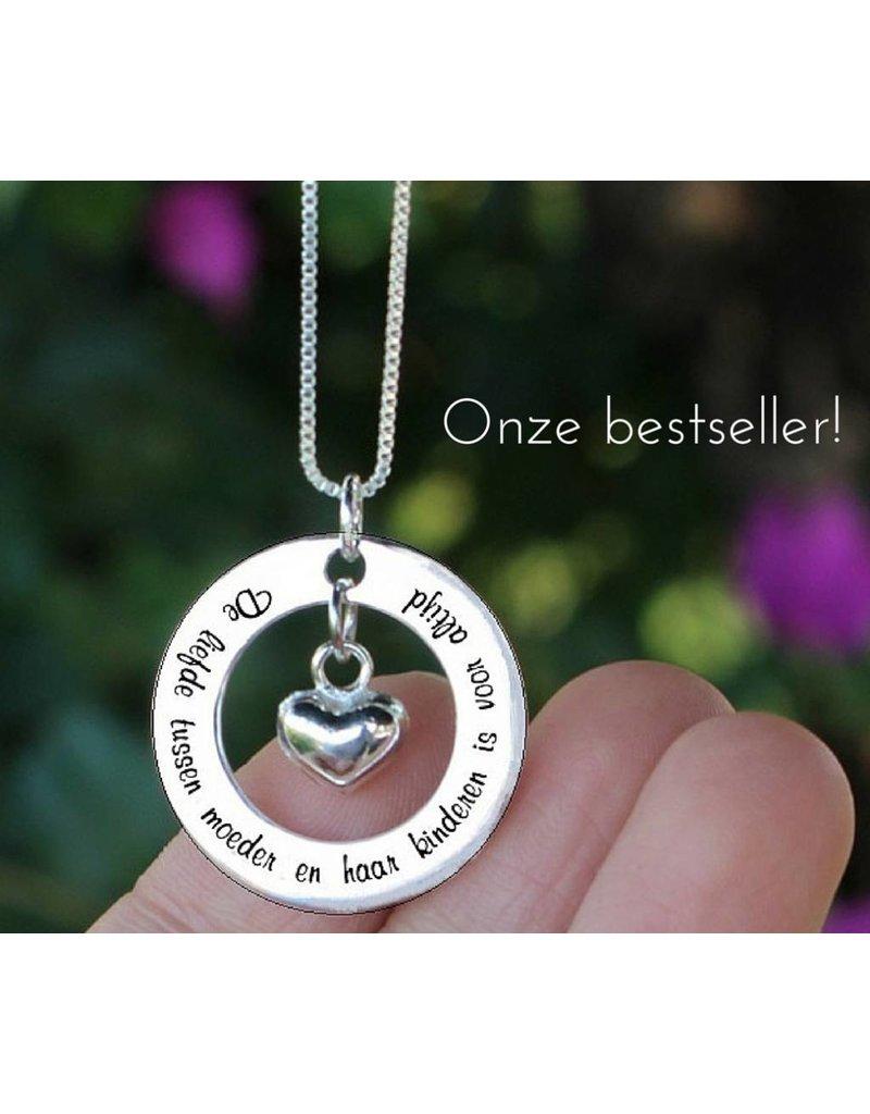Zilveren ketting 'De liefde tussen moeder en haar kinderen...'