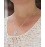 KAYA sieraden Two Pearls Necklace + 'Sisters'