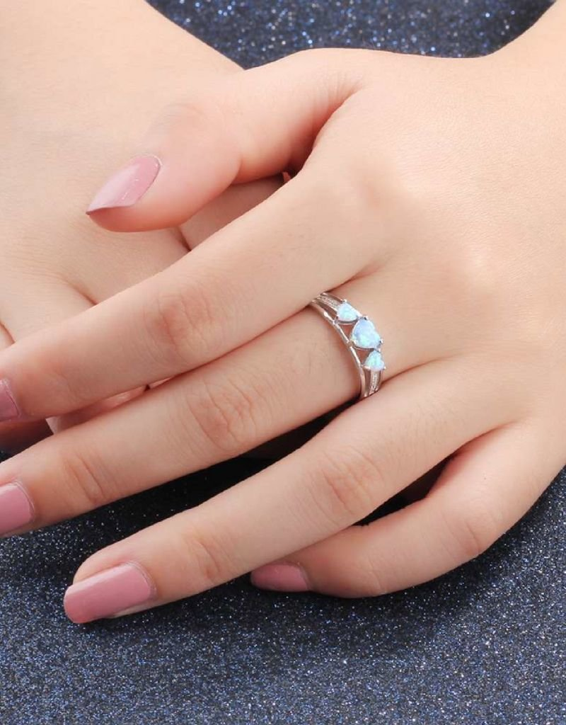 KAYA sieraden Silver ring with opal stone '3 hearts'