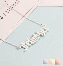 KAYA sieraden Zilveren naamketting 'stoer lettertype'