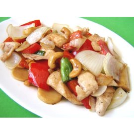 "Stir fried chicken with cashew ""Gai Pad With Ma-Maung"""