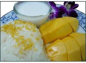 Zoete kleefrijst met mango(Khao Niaow Ma Muang)