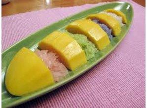 Sweet sticky rice with mango (Khao Niaow Ma Muang)