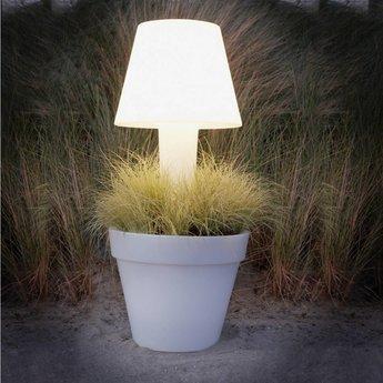 Elho Pure® Twilight. Planteur éclairé pour votre patio ou à l'intérieur!