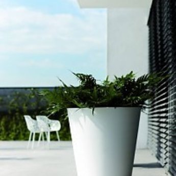 Elho Pure Straight Round - A stylish and modern flower pot with nice discounts!