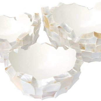 Fleurs Ami Coast Bowl- An exclusive showpiece in any room!