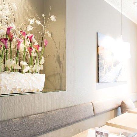 Fleurs Ami Coast Boat Une pièce maîtresse exclusive dans toutes les pièces! -