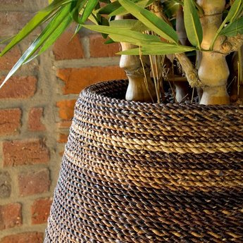 Fleurs Ami Magellan Natural Weave An exclusive showpiece in any room!