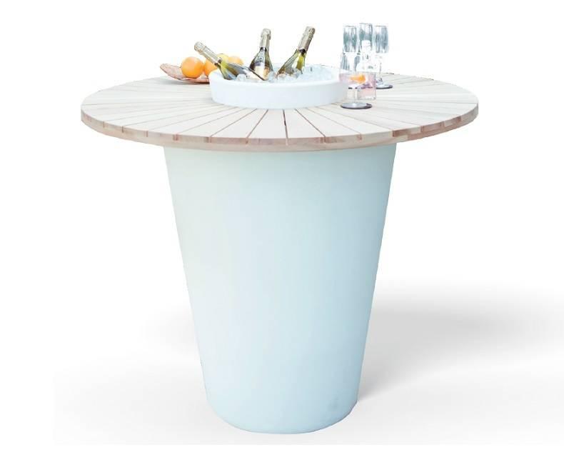Otium Design Olla Vinum. Table en différentes couleurs pour l'intérieur et l'extérieur.