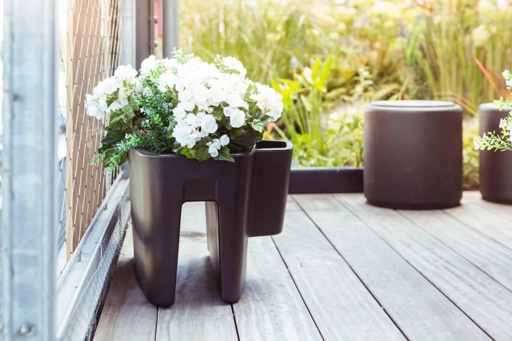 pendulum long pot de fleurs de couleurs diff rentes pour int rieur et ext rieur. Black Bedroom Furniture Sets. Home Design Ideas
