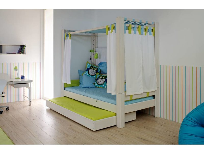 de breuyn trax himmelbett. Black Bedroom Furniture Sets. Home Design Ideas