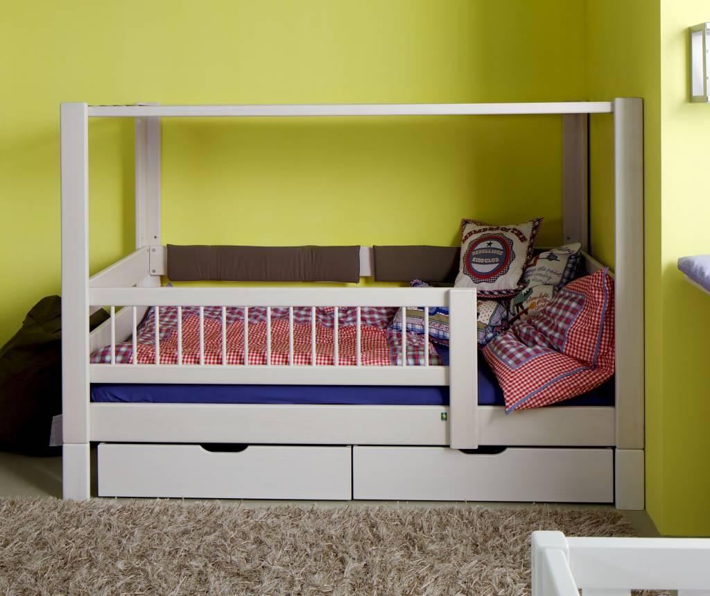 de breuyn kubu himmelbett. Black Bedroom Furniture Sets. Home Design Ideas