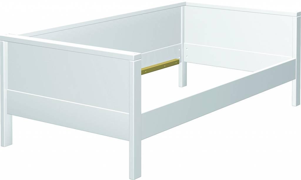 haba matti aufr stsatz couchversion bett weiss holzr ckwand f r bett. Black Bedroom Furniture Sets. Home Design Ideas