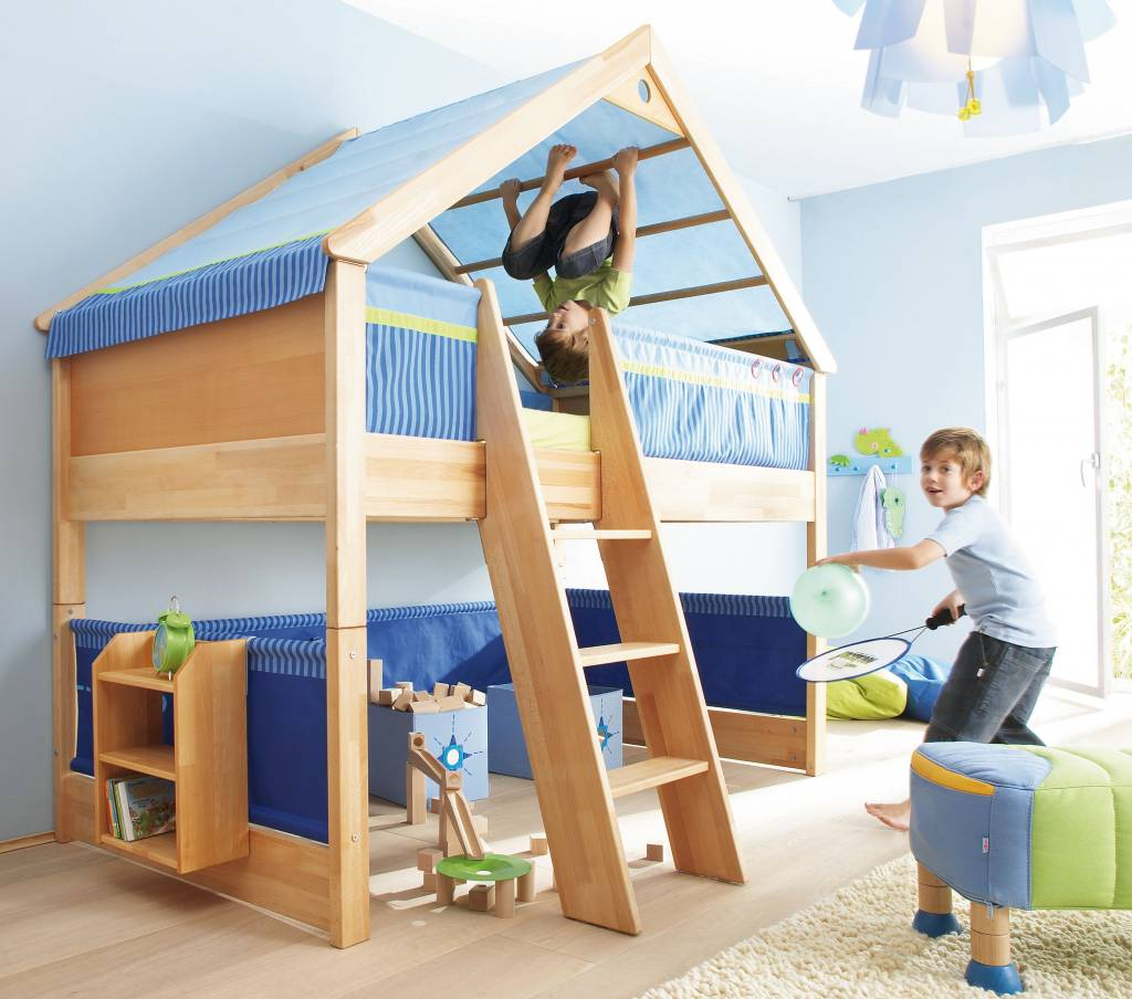 haba matti spielbett matti mit giebel buche blau www. Black Bedroom Furniture Sets. Home Design Ideas