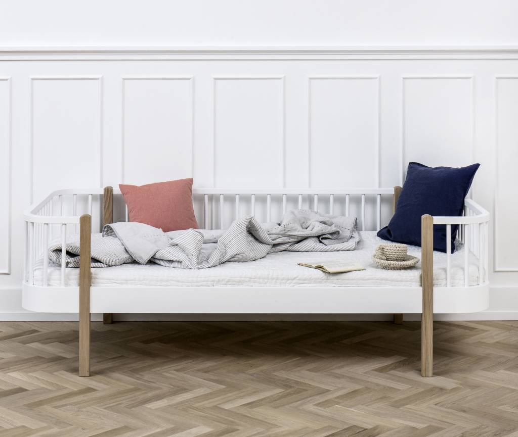 Oliver furniture bettsofa wood collection wei eiche for Bettsofa weiss