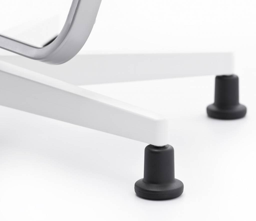 moll scooter schreibtischstuhl wei. Black Bedroom Furniture Sets. Home Design Ideas