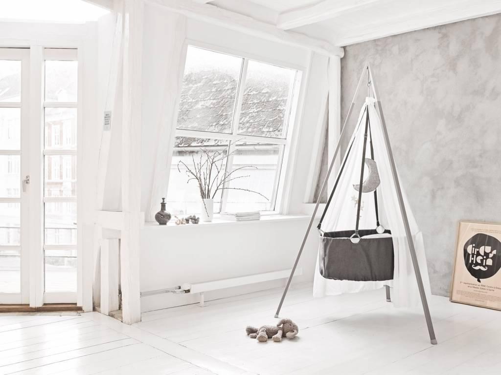 wiege von leander grau. Black Bedroom Furniture Sets. Home Design Ideas