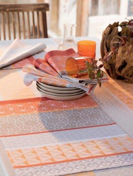 Garnier Thiebaut Tischset Mille Geomertie mango, 55/40 cm
