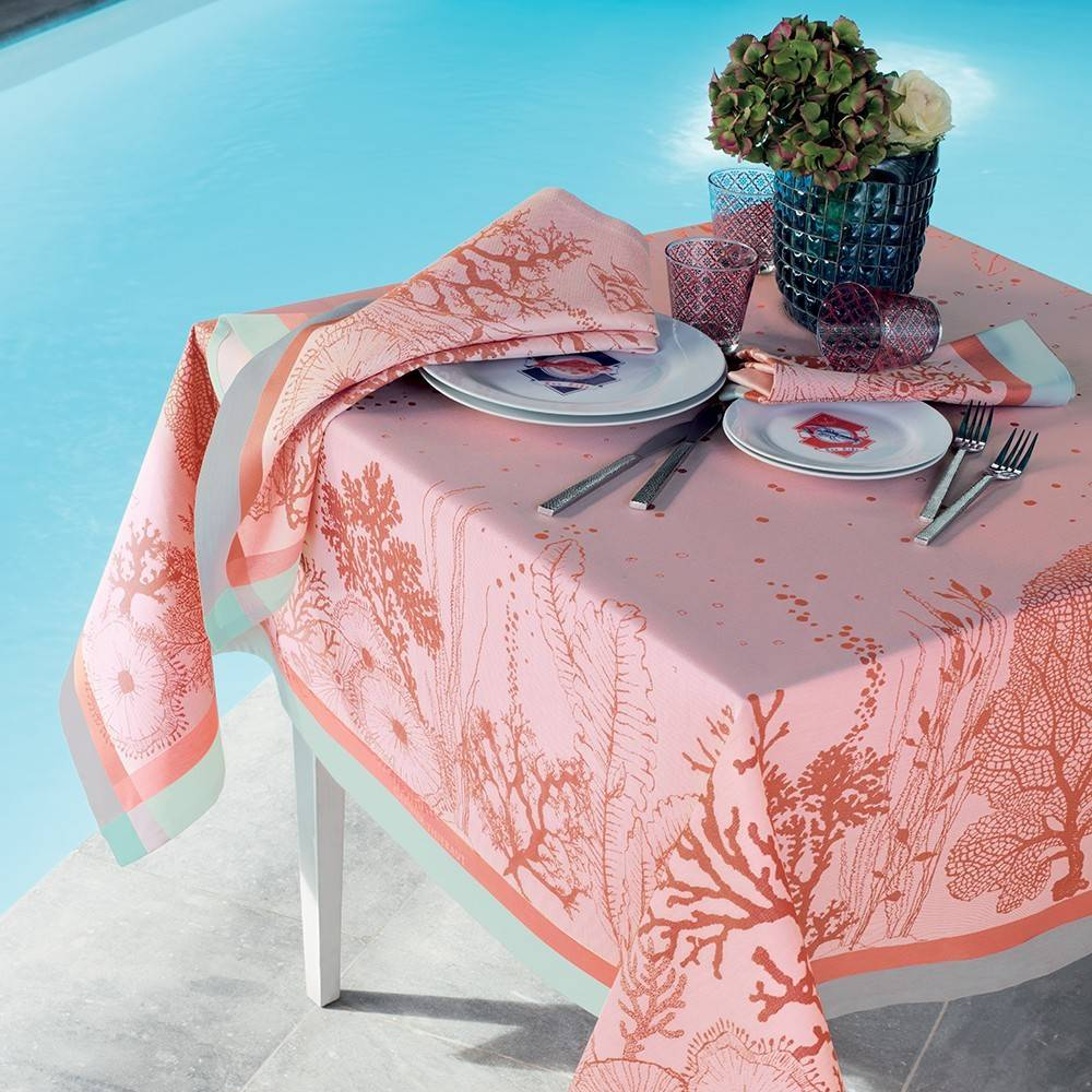 garnier thiebaut tischdecke corail ros 115x115cm wohndekor m ller. Black Bedroom Furniture Sets. Home Design Ideas