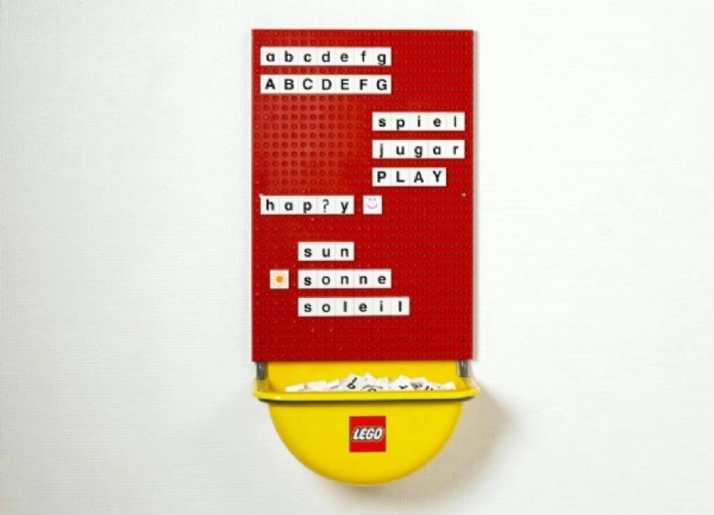 LEGO Play Wall - KinderSpell