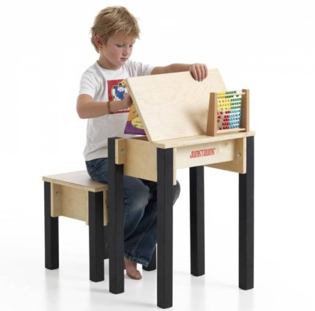 pupitre pour enfant jeu d 39 enfant. Black Bedroom Furniture Sets. Home Design Ideas