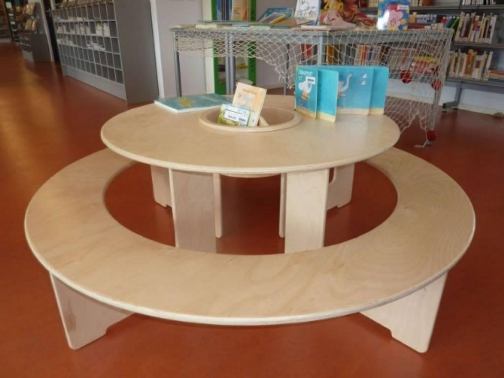 Runder Spieltisch Aus Holz With Aus Holz