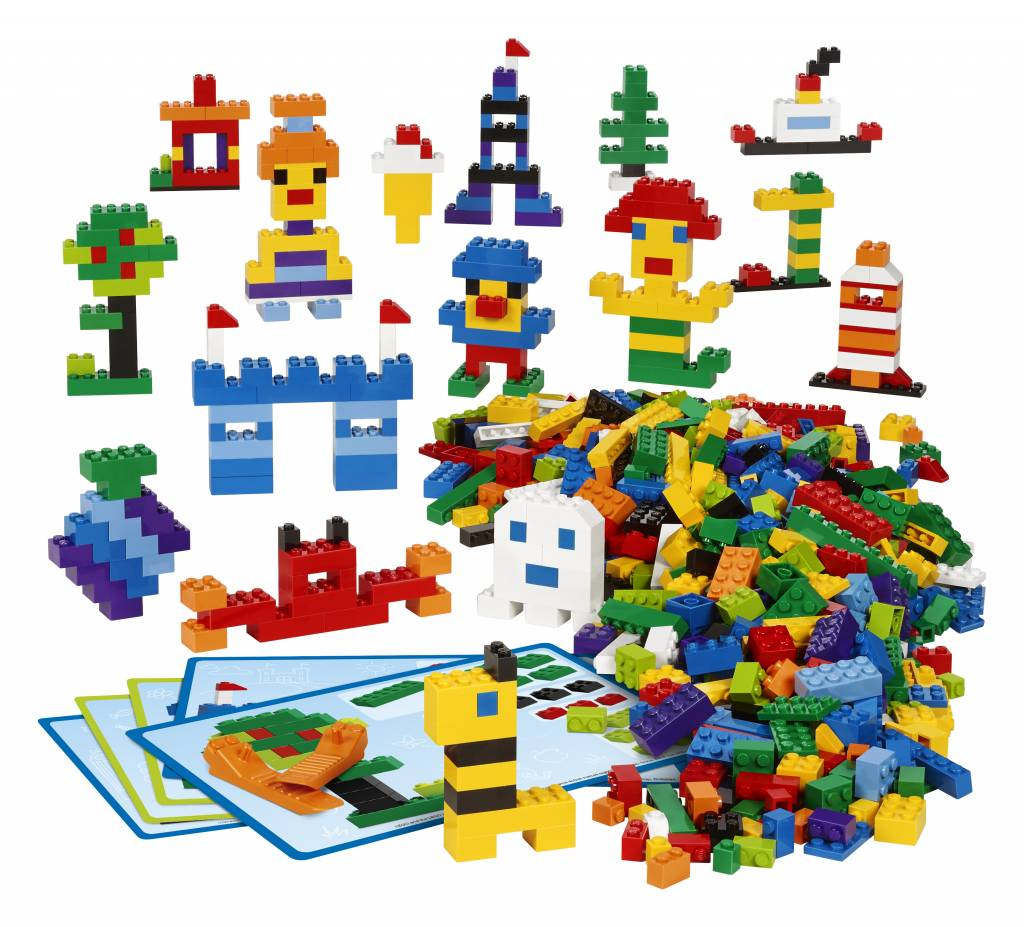 LEGO table triangle with storage and three chairs - KinderSpell ®