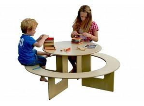 table enfant ronde en bois jeu d 39 enfant. Black Bedroom Furniture Sets. Home Design Ideas
