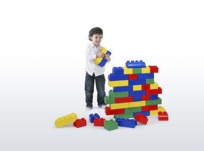 jouets de construction en bois et en plastique jeu d 39 enfant. Black Bedroom Furniture Sets. Home Design Ideas
