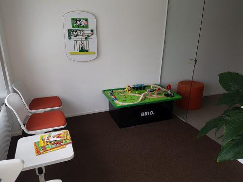 Kinderspielecke gestalten im Wartebereich Praxis