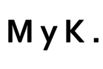 M y K.