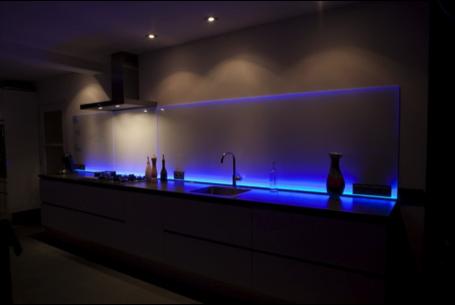 Verlichting In Woonkamer : Creëer sfeer in huis met led verlichting ledspots
