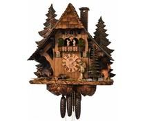 Hettich Uhren Orginal Schwarzwälder Kuckucksuhr mit 8 Tage Musik-Tänzer- Rechenschlagwerk mit massivem Holzgehäuse und handgefertigte Figuren 64cm hoch und 60cm breit