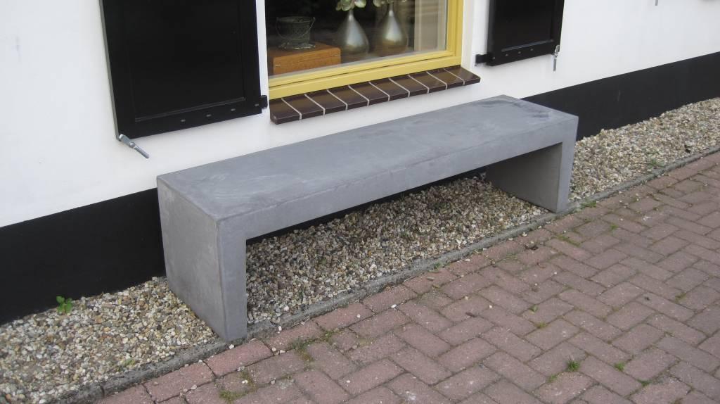 Betonnen tuinbank grijs antraciet 150cm for Hout voor traptreden