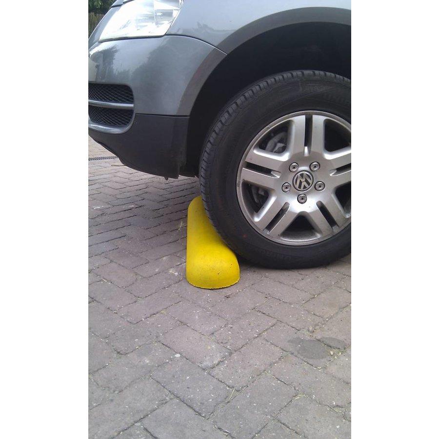 Varkensrug beton 2 kanten rond geel