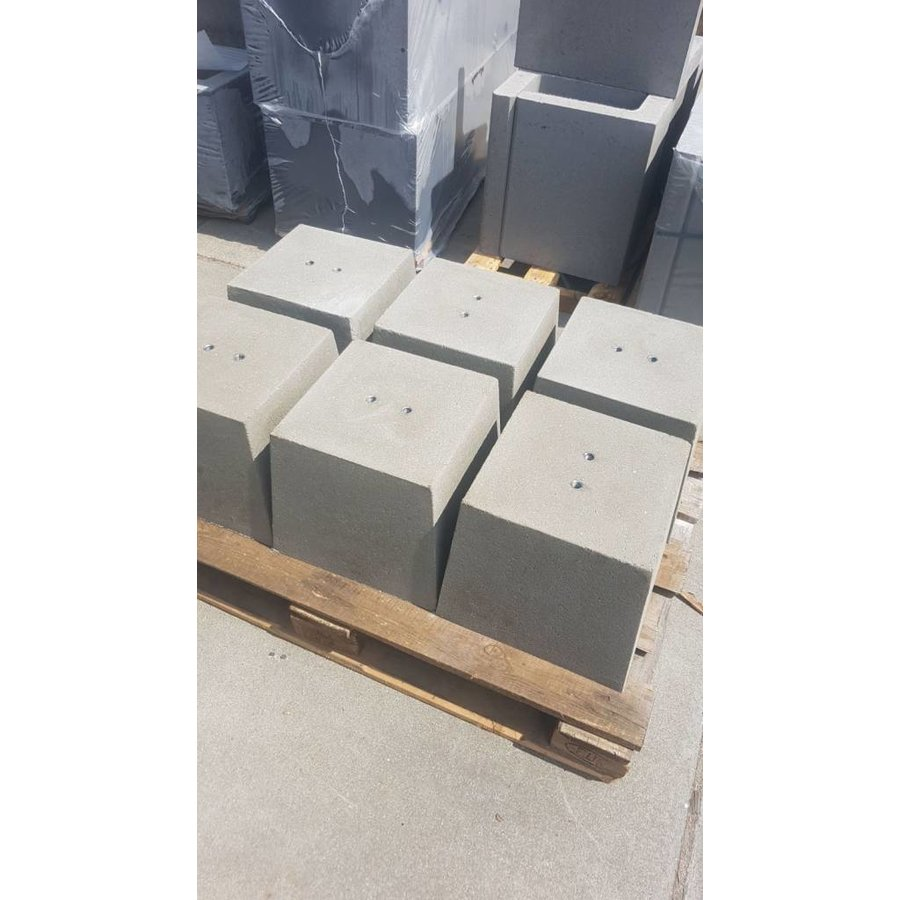 Prefab Betonpoeren 30x30x30cm M16