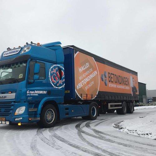 Betondingen® heeft een eigen bedrukte vrachtwagen trailer