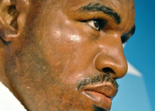 Mike Tyson bijt oor