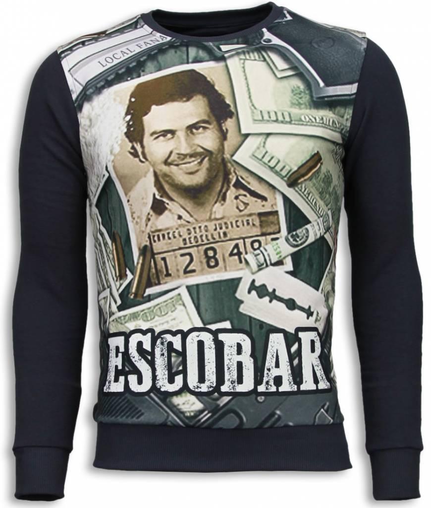 Exclusieve crewneck van het topmerk local fanatic. narcos escobar print wordt gemaakt van een zeer ...
