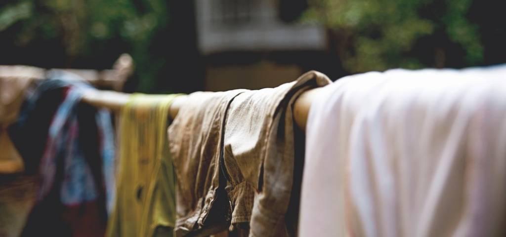 moddervlekken uit witte kleding