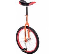 Freestyle oranje eenwieler