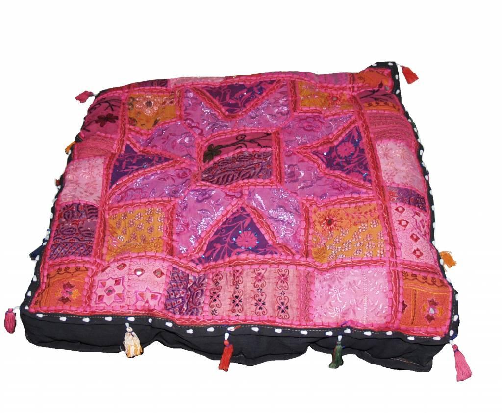 Home - Kussen groot roze handgemaakt India met kwastjes